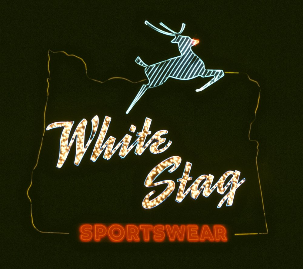 White_Stag_sign_(night).jpg
